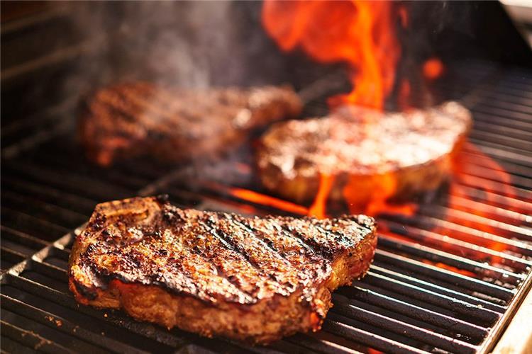 اطعمة قد تصيبك بسرطان الرئة