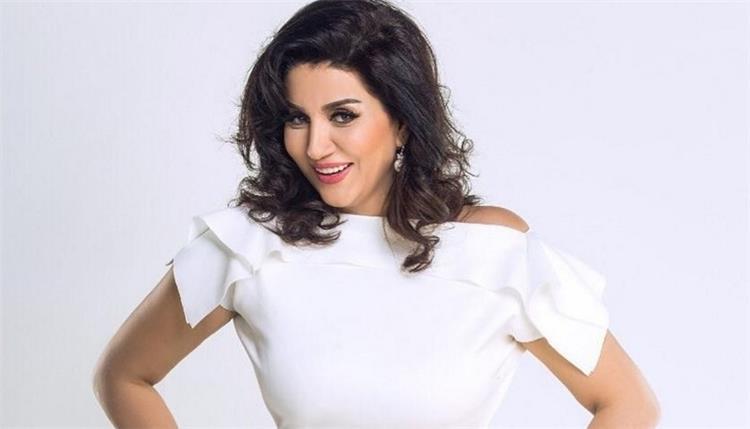 متابعة تهاجم الفنانة وفاء عامر بسبب الراحل سمير غانم ما الحكاية