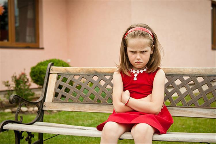 كيف تتصرفين مع طفلك الخارج عن السيطرة