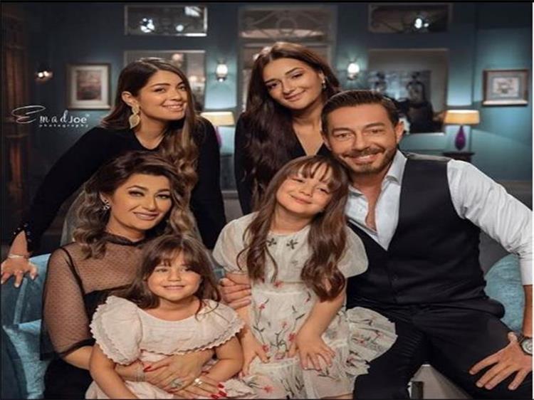 مفاجأة إبنة أحمد زاهر الصغيرة لأول مرة في مسلسل جديد