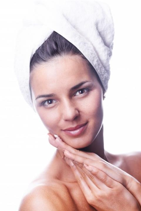 الفوائد الصحية لوضع الثلج على الوجه