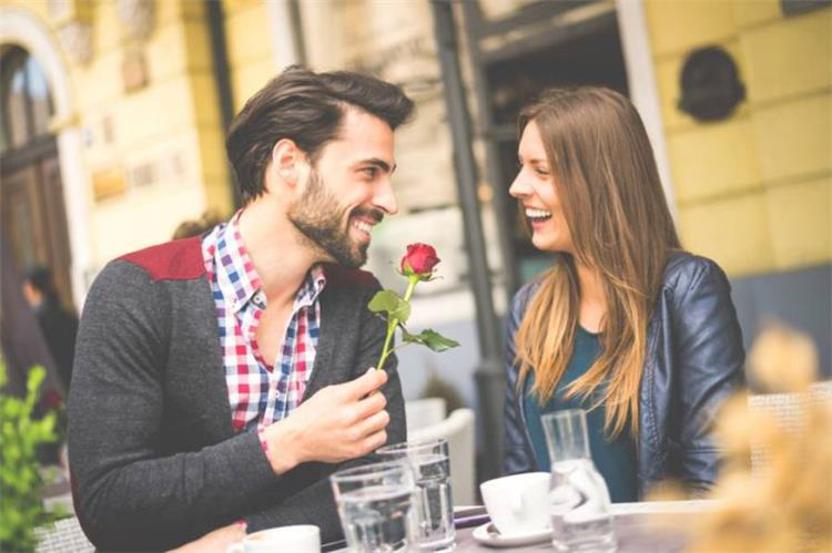 نصائح مجربة لاختيار الإطلالة المناسبة لاول موعد مع حبيبك