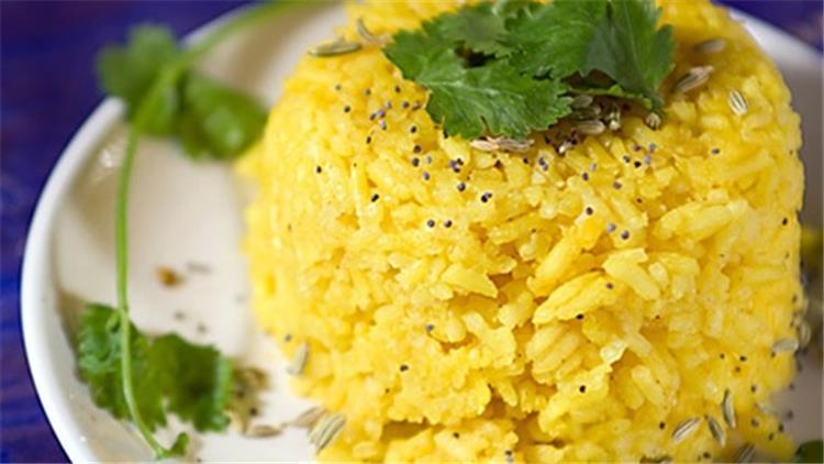 طريقة عمل الأرز بالكركم لمذاق شهي وفوائد عظيمة