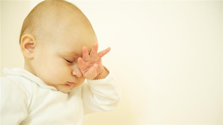 علاج الإمساك عند الأطفال الرضع سن 6 أشهر