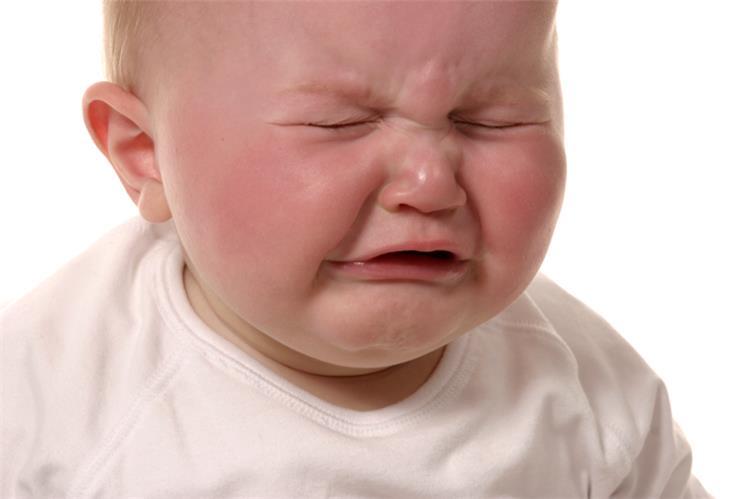 4 خطوات بسيطة للتغلب على بكاء طفلك الرضيع