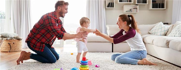 5 نصائح لمساعدة طفلك على تعلم المشي بأمان