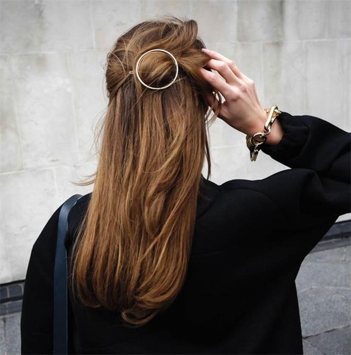 اكسسوارات الشعر المناسبة لكل فصول العام موضة لا تنتهي