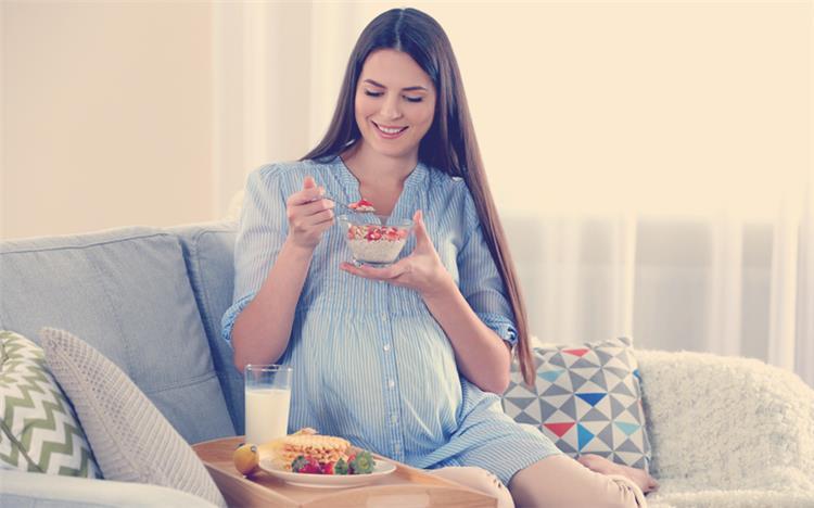 أطعمة تنقص من وزن الجنين تجنبيها