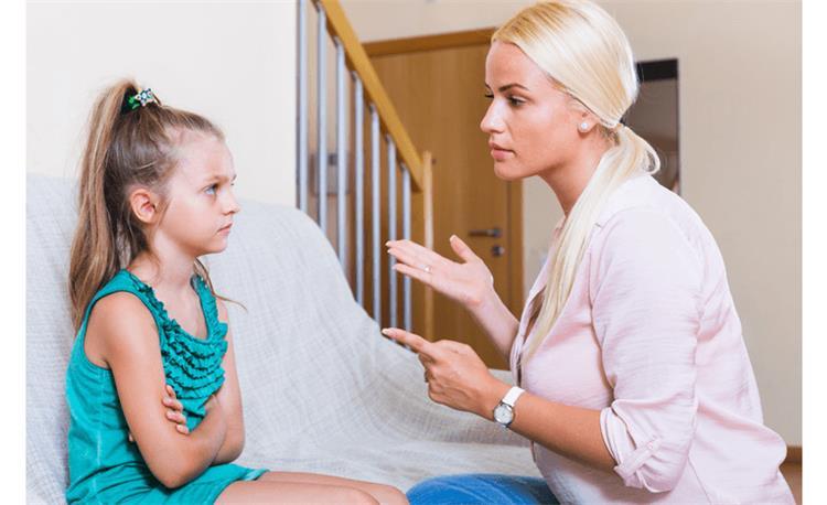 5 أشياء عليك الحذر من قولها أمام أطفالك