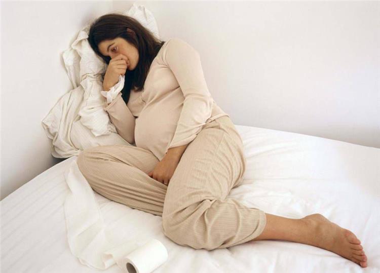 الاكتئاب خلال الحمل اسبابه وطرق التغلب عليه