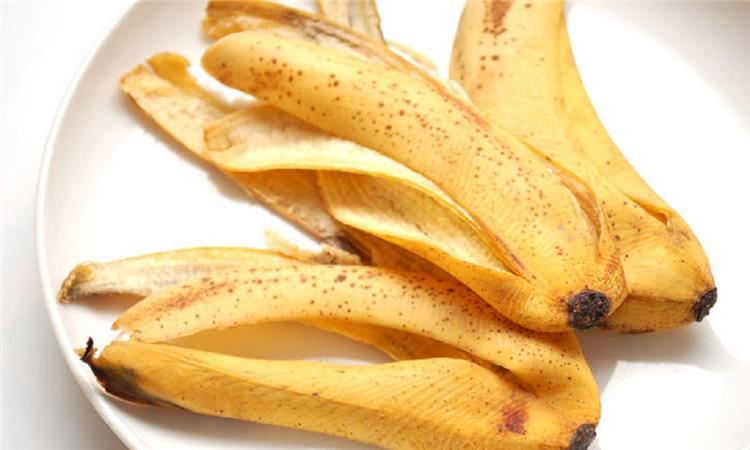 10 استخدامات مذهلة لقشر الموز