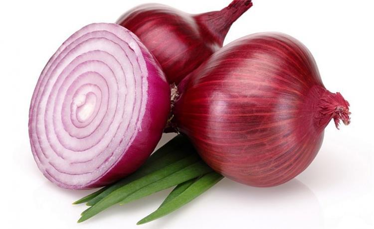 فوائد البصل الأحمر المذهلة