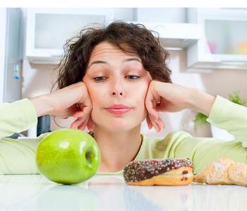 نقاط في جسمك تمنع شعورك بالجوع عند الضغط عليها.. ستتفاجئين من نتائجها