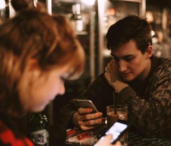 قواعد للمرتبطين في التعامل على مواقع التواصل الاجتماعي