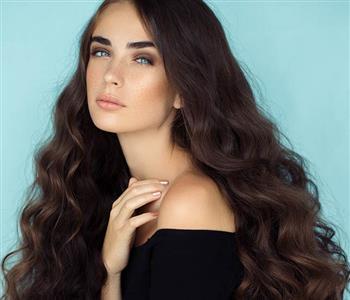 3 وصفات طبيعية تناسب الشعر الدهني