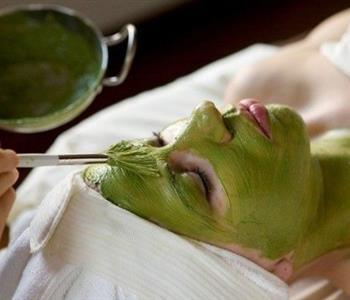 ماسكات الشاي الأخضر لبشرة صحية خالية من العيوب