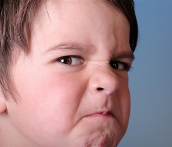 كيف تساعدين أطفالك على التحكم في غضبهم