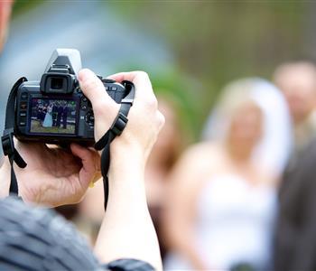 أشياء يجب أن تعرفيها عن مصور فرحك