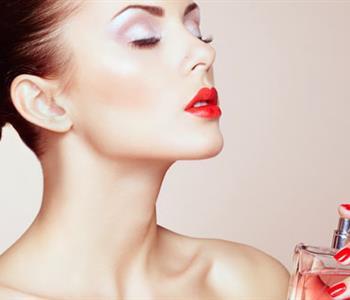 5 نصائح لتثبيت رائحة العطر لفترة طويلة