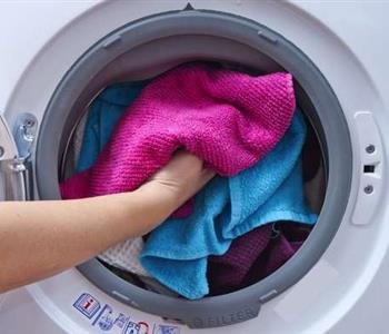 نصائح تساعدك فى تنظيف الملابس
