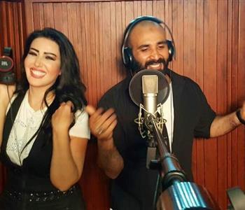 """سمية الخشاب تهنئ زوجها لتعاقده مع """"مزيكا"""" لإنتاج أحدث ألبوماته"""