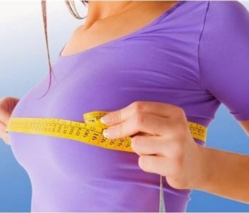3 وصفات طبيعية لتكبير الثدى بالحلبة