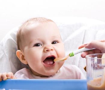 وصفات مغذية لرضيعك من عمر 8 اشهر فيما فوق