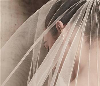 فساتين زفاف إيلي صعب لربيع وصيف 2018 جمعت بين الفخامة والرقة