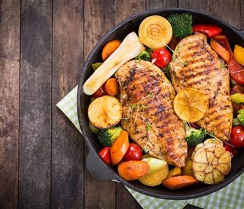طريقة عمل دجاج سوتيه بالخضار لدايت شهي