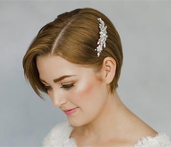 تسريحات تناسب العروس صاحبة الشعر القصير