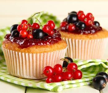 طريقة عمل الكيكة بصوص الكريز