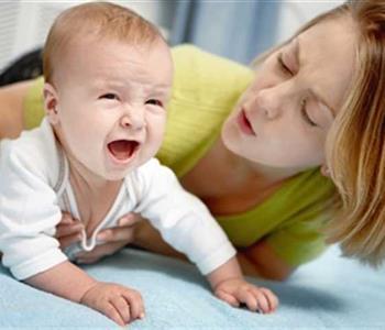 علاج مغص حديثي الولادة بطرق طبيعية بعيدًا عن الأدوية