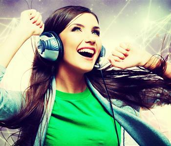 في اليوم العالمي للسعادة.. أغاني ستجعلك سعيدة