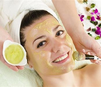 4 وصفات عشبية لشد الوجه والتخلص من التجاعيد