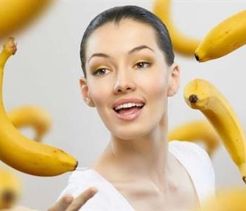 3 وصفات لتنعيم الشعر بقشر الموز.. وداعًا للتقصف