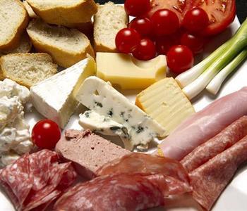 أخطاء شائعة فى التخلص من عفن الاطعمة قد تضر بصحتك