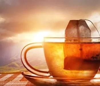 10 استخدامات لأكياس الشاي المستعملة بدلًا من إلقائها في القمامة