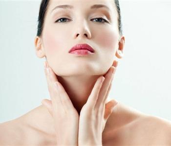 تجنبي 5 عادات خاطئة تؤثر على جمالك