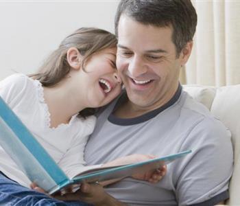 صفات ومؤشرات تدل على أن زوجك أب مثالي لأطفالك