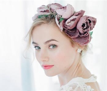 تسريحات شعر تناسب العروسة صاحبة الوجه المدور