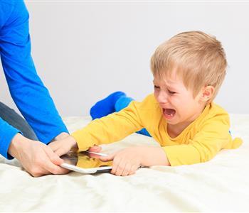 كيفية عقاب الاطفال بدون ضرب واهانة
