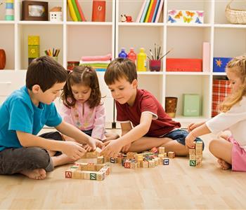 دليلك الكامل لالعاب طفلك بعد السنة الاولى من عمره